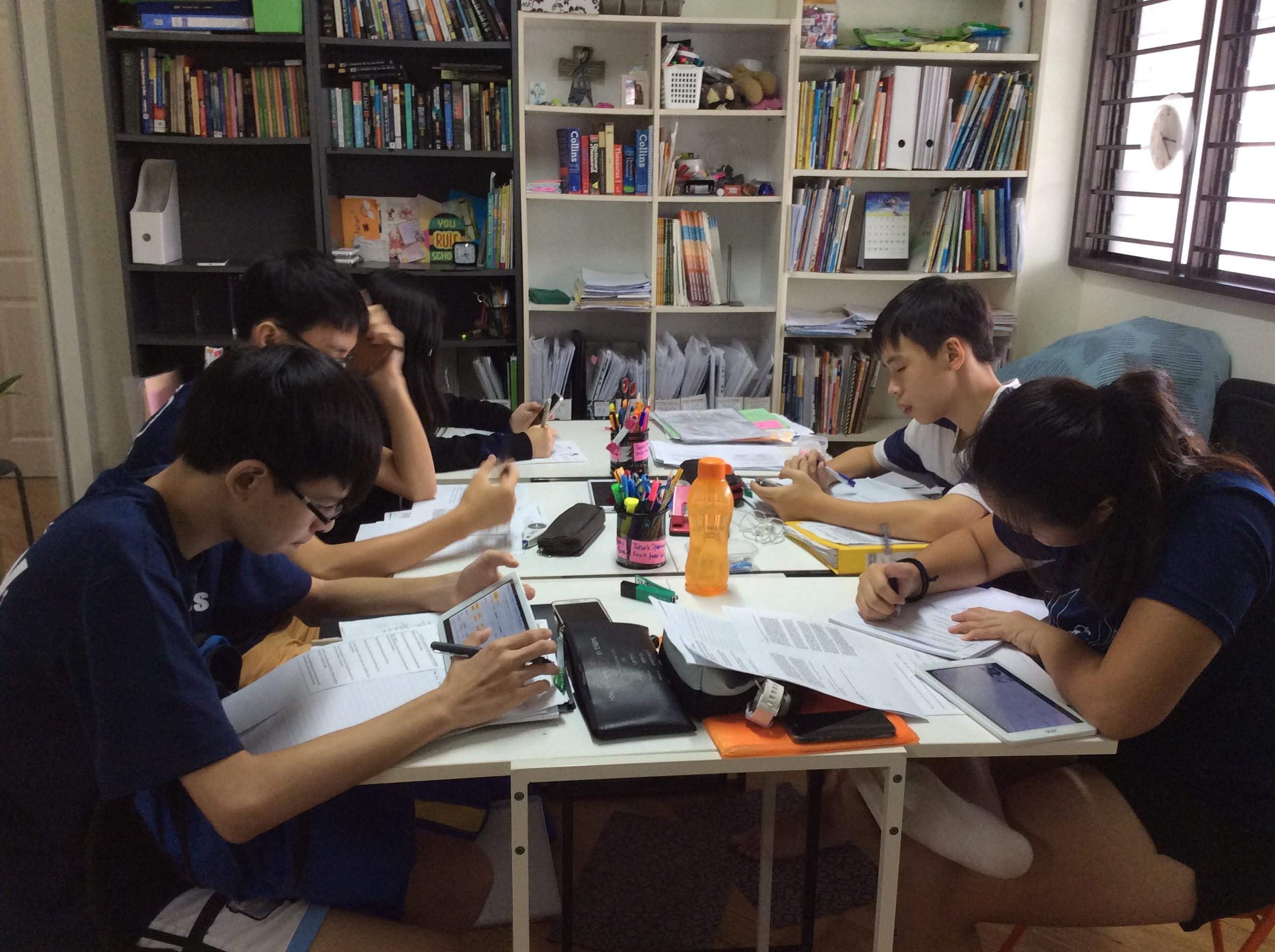 experienced English teacher (BPGHS, RVHS)
